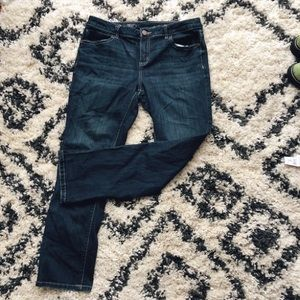 Simply Vera Vera Wang Dark Wash Capri (long)